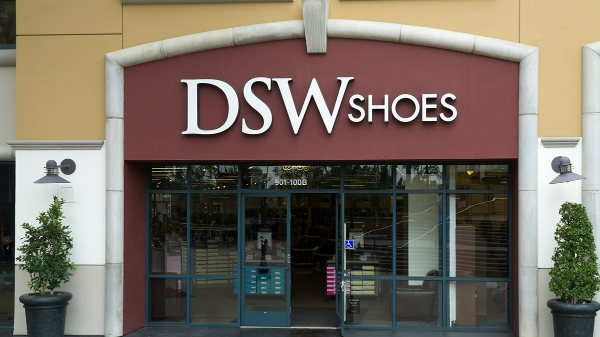 DSW Shoes store exterior