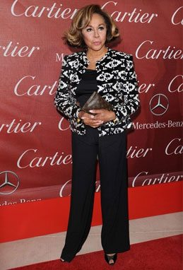 fashion for women after 60 - Diahann Carroll looking classy in a pantsuit