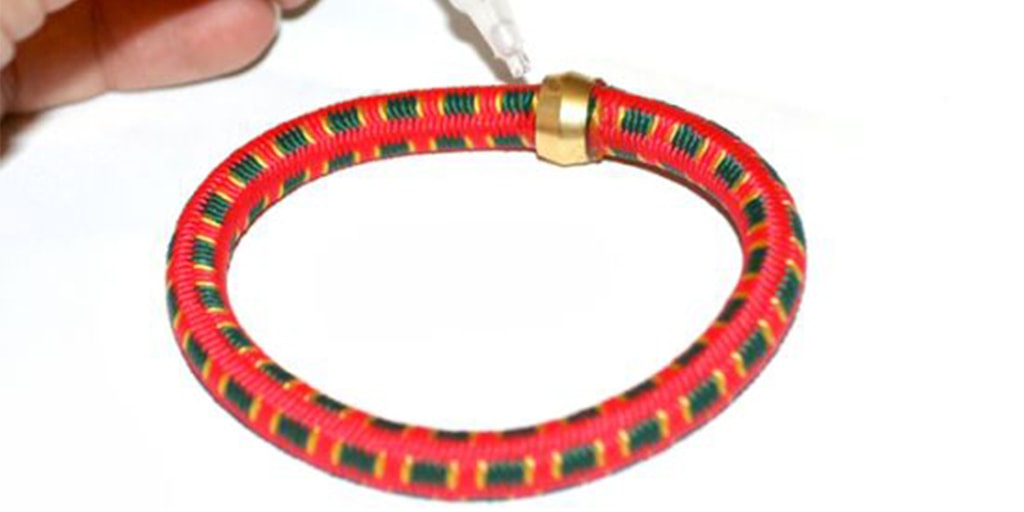 How to Make a Bungee Cord Bracelet