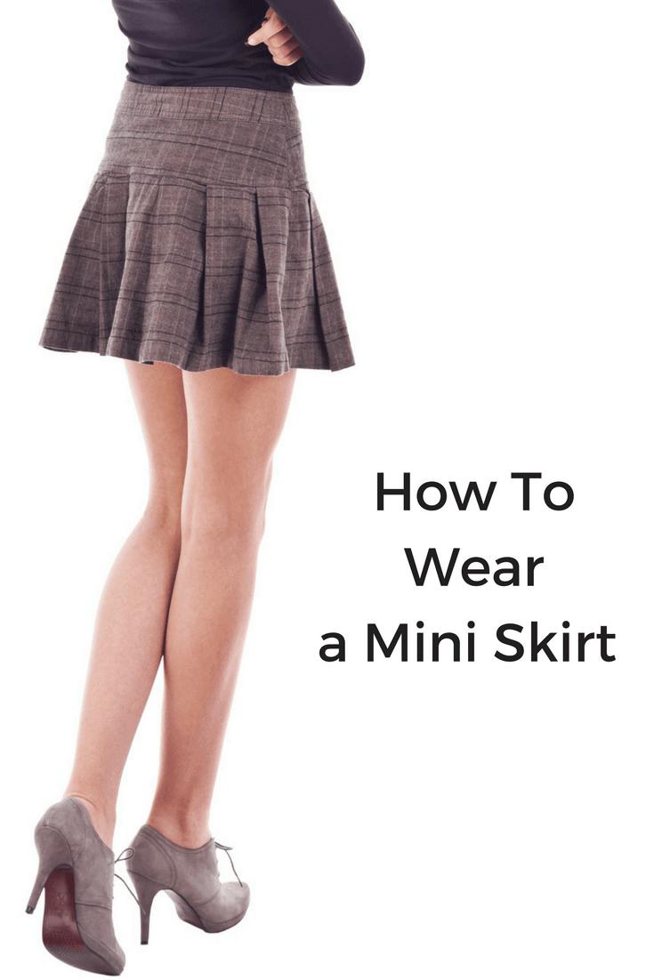 how to wear a miniskirt