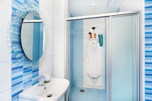 Modern deco blue bathroom