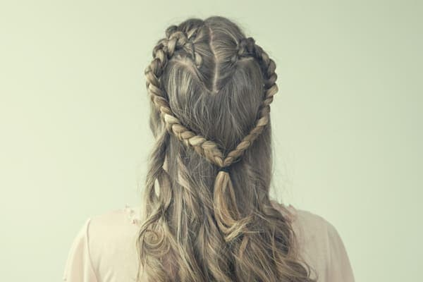 Romantic Hairstyles to Try this Valentine's Day