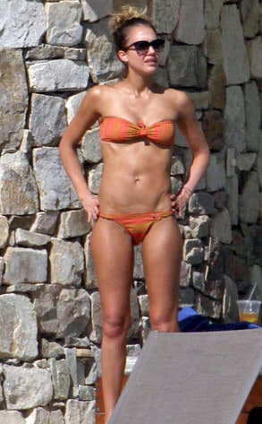Get Jessica Alba-Fit After Baby & the Holidays: 3 Celebrity Weight Loss Tips for Less