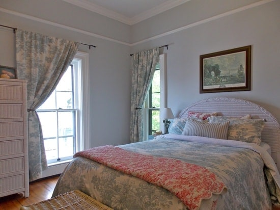 Home decorating ideas for summer the budget fashionista for Fashionista bedroom ideas