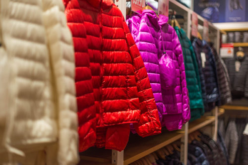 Puffer jackets in different colors