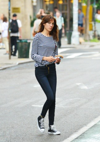 4-between-the-lines-alexa-chung_123945472542.jpg_article_gallery_slideshow_v2