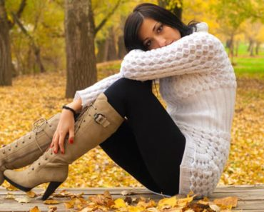 Woman wearing boots in fall