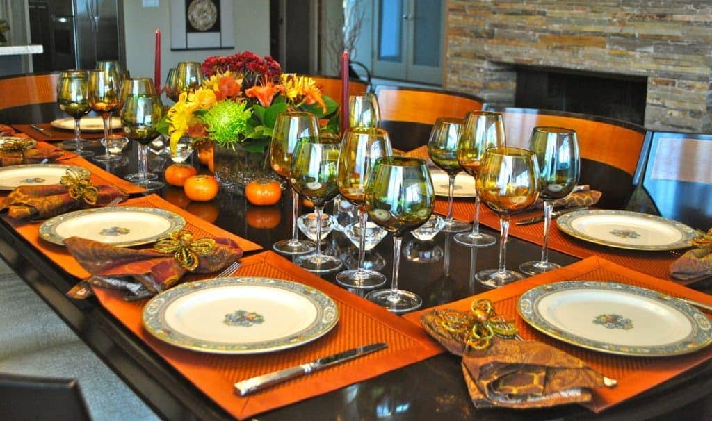 Gobble Up Affordable Thanksgiving Day Dining Decor