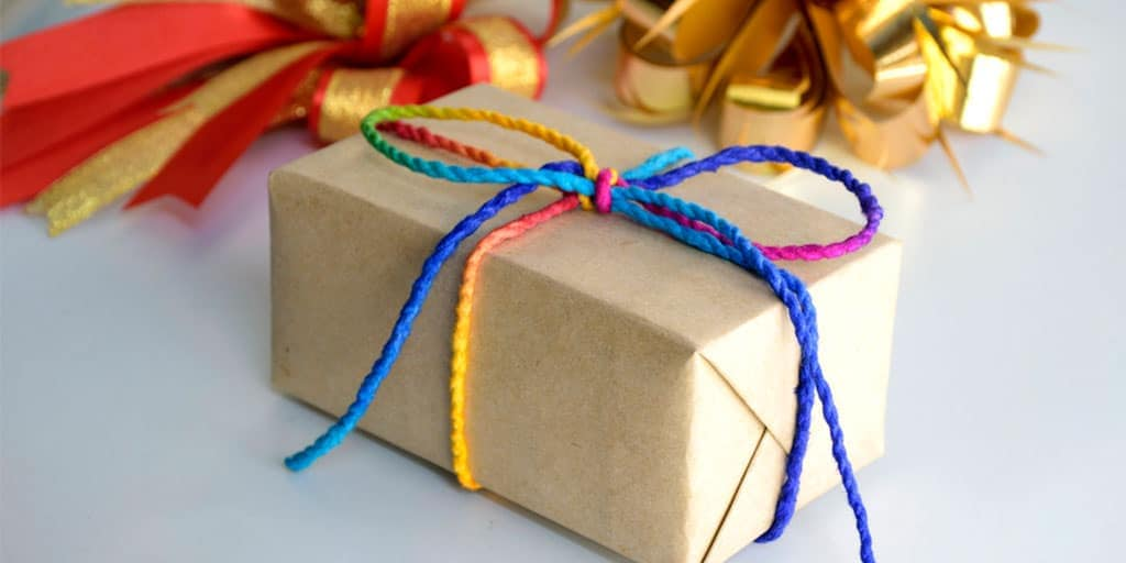 Holiday shipping deadlines -- gift box wrapped for holidays