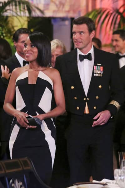 Olivia Pope wearing black and white dress