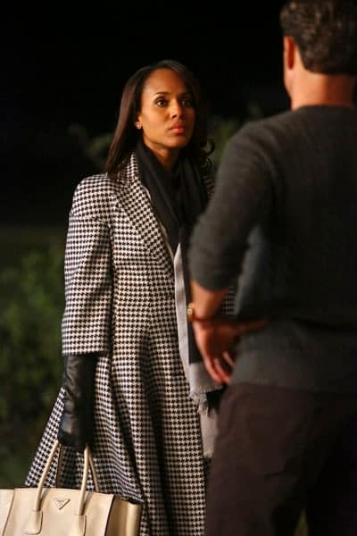 Olivia Pope wearing checked jacket