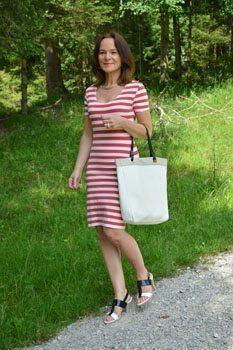 Lady of Style over 40 fashion blog