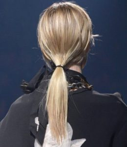low-ponytail