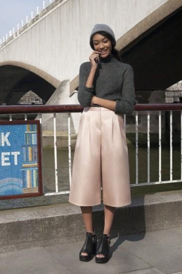 culotte-outfit-grigio-e-cipria