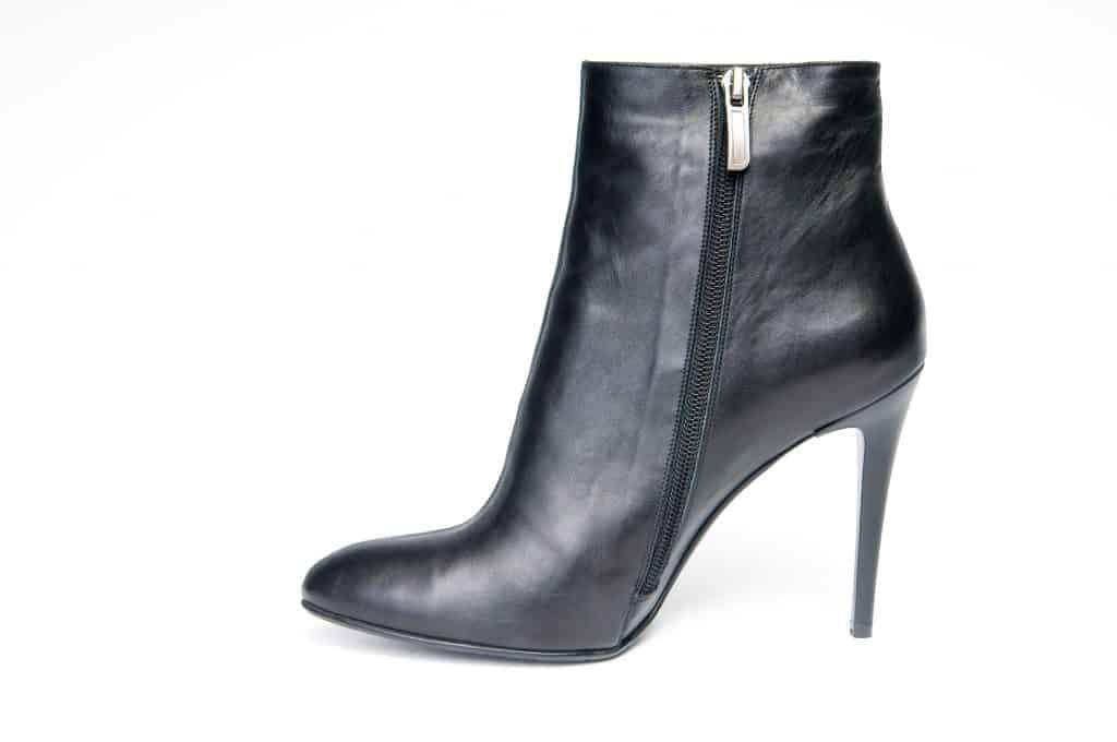 Black female boot