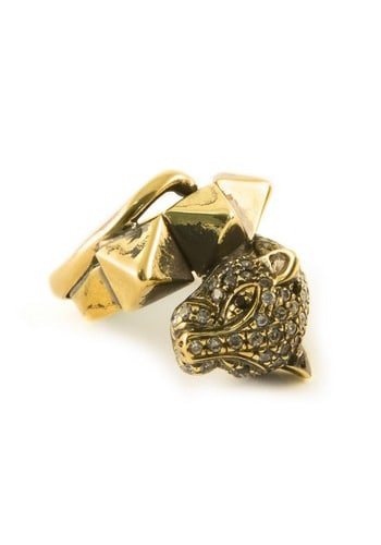 gold ring with cat's head