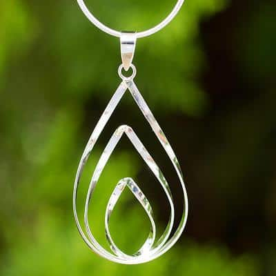 pendant necklace with teardropped shaped rings
