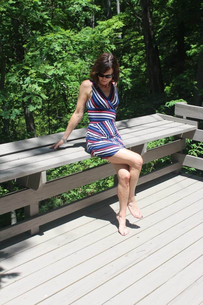 le tote review: woman wearing striped dress