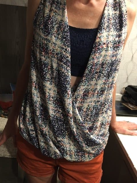 Colorful wrap-style, open-front top