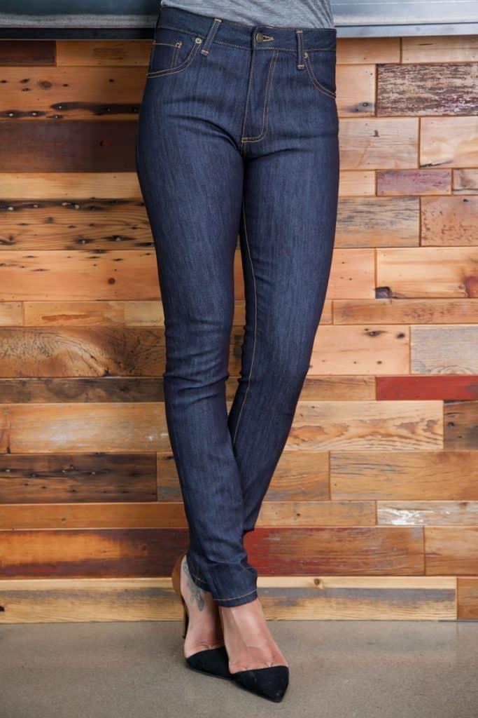 waist down of woman wearing skinny jeans