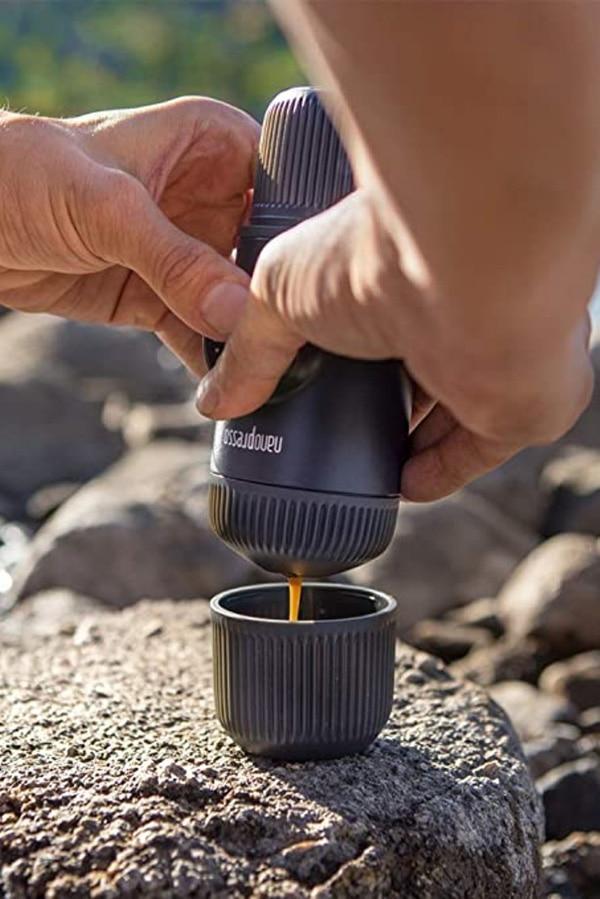 Nanopresser portable espresso maker