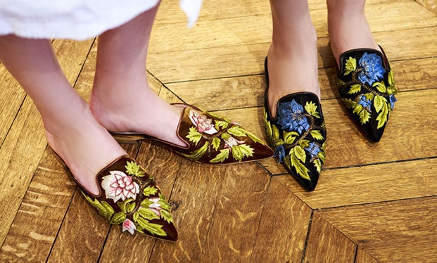 trend shoes - embroidered mules