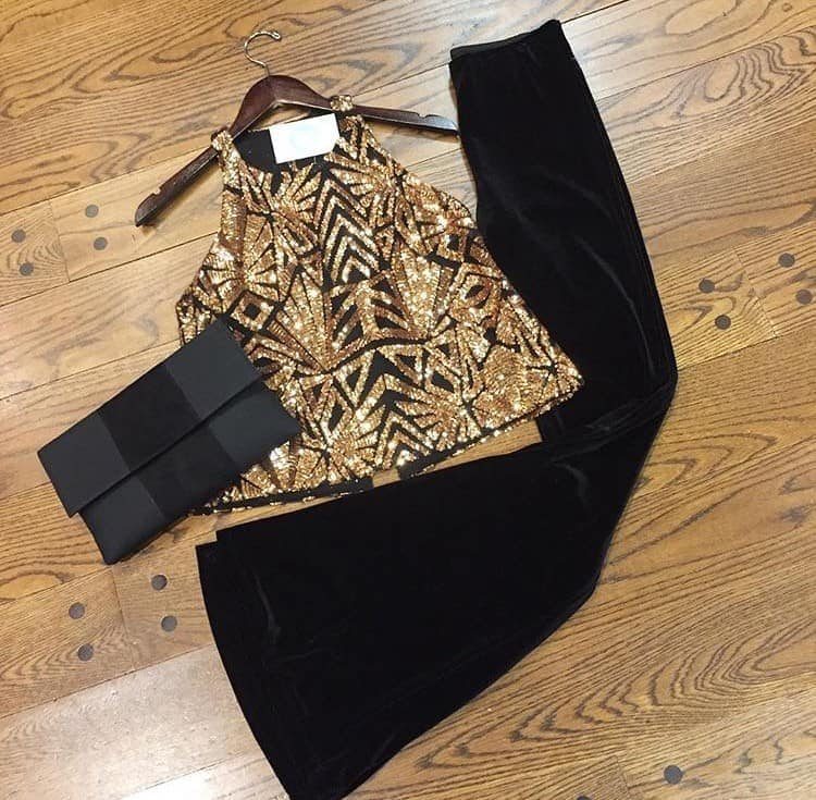 alpharetta shopping guide - honey & hazel featured outfit with black and gold top