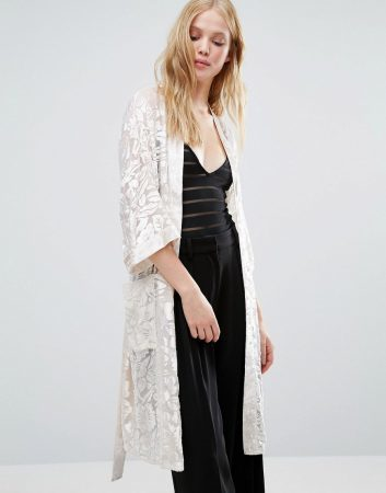 spring fashion 2017 must-haves, long floral kimono jacket