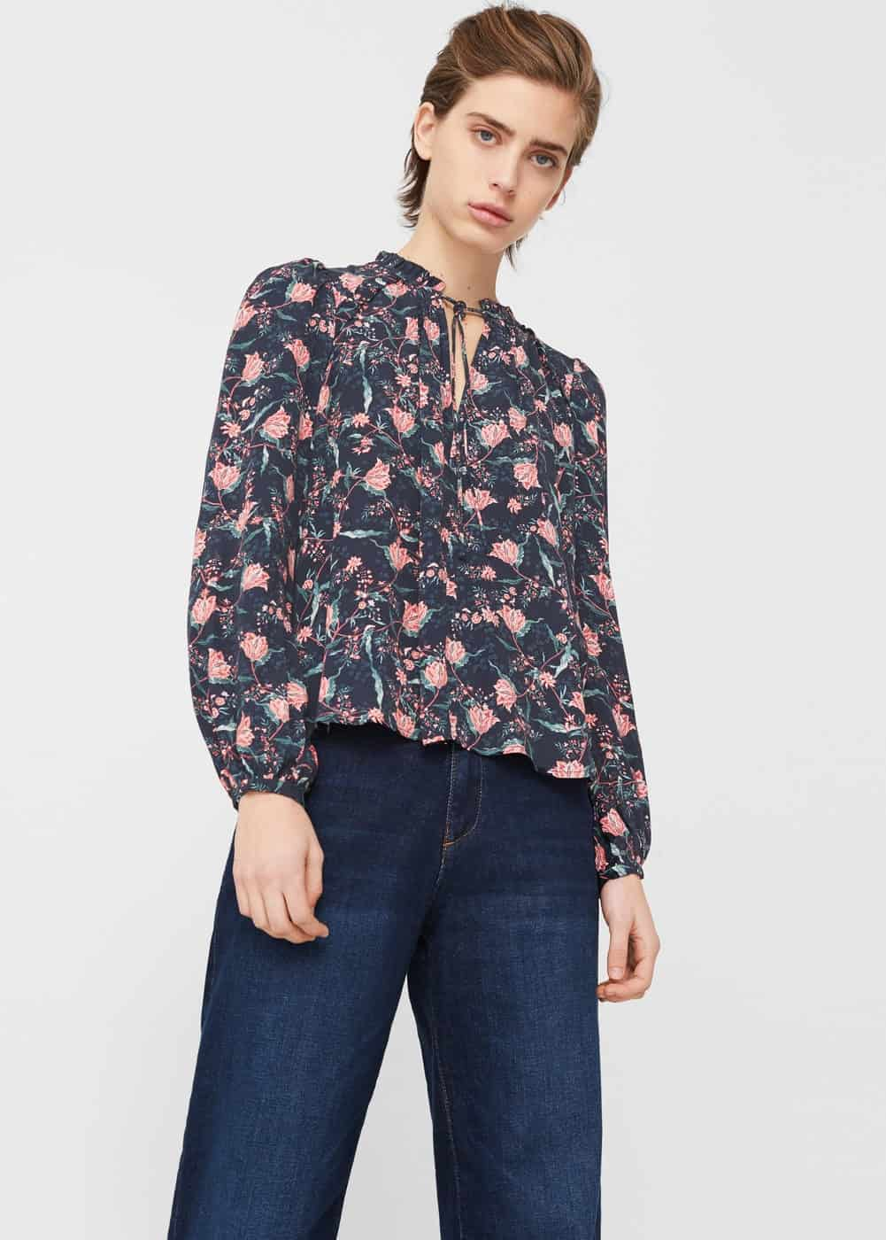 Floral print, loose-fitting blouse