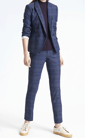 Fitted women's plaid suit