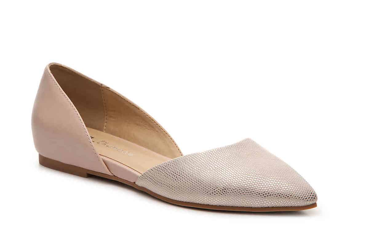 Nude flats with pointed toe