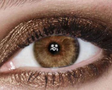 Sparkly copper eye makeup