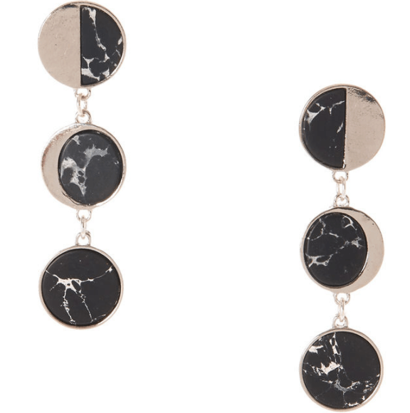Dangling earrings with three marble discs