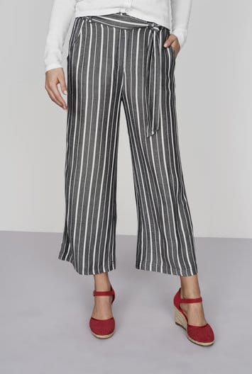 Black and white striped wide-legged crop pants for tall girls
