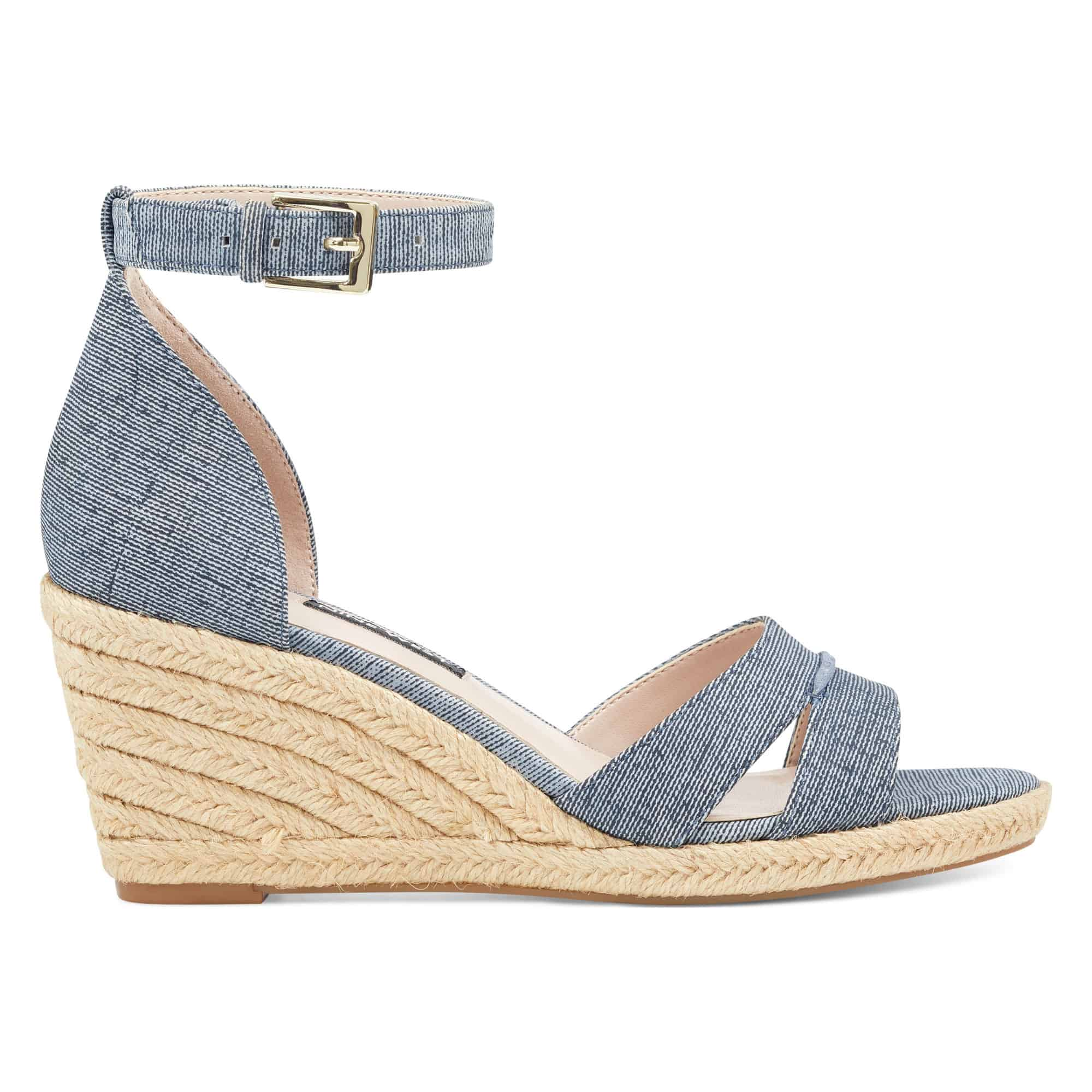 Wedge sandale with chambray strap