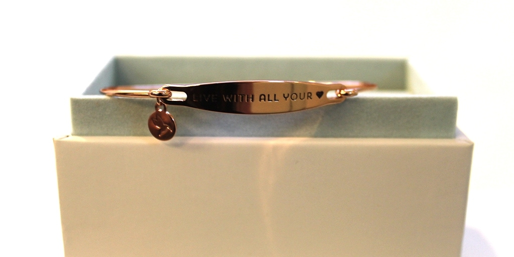 Chamilia bracelet with inscription: live with all your heart