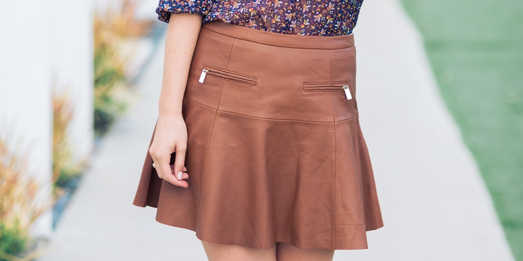 How to Wear a Leather Skirt in Summer