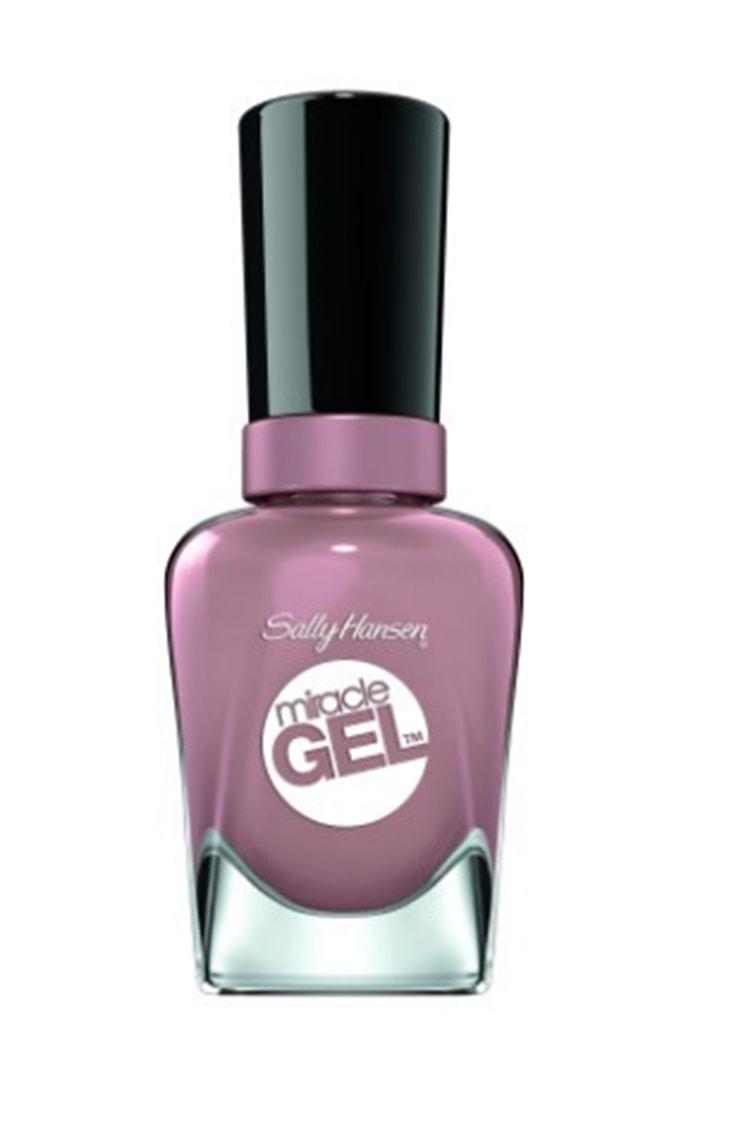 Sally Hansen gel nail polish in lilac
