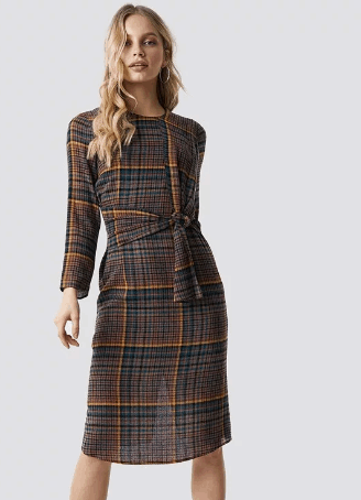 Brown checked dress with long sleeves