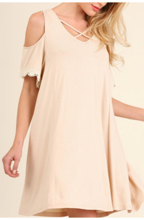 Beige swing dress with open shoulders and lace detail at sleeve