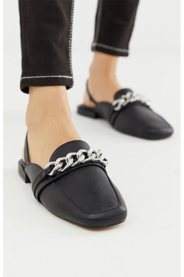 Loafers with chain accent