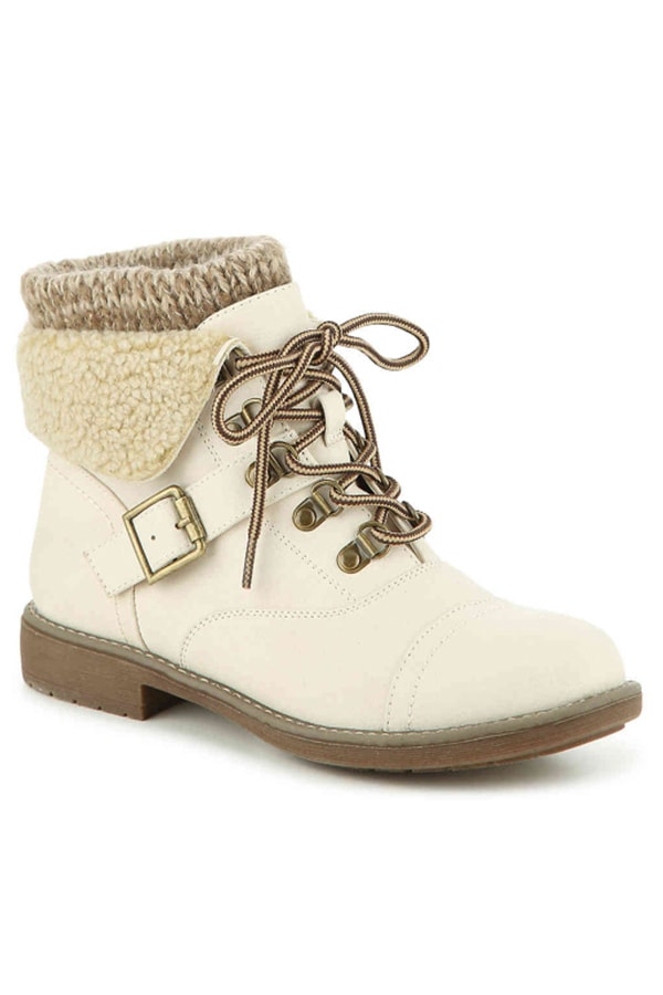 White boots from White Mountain