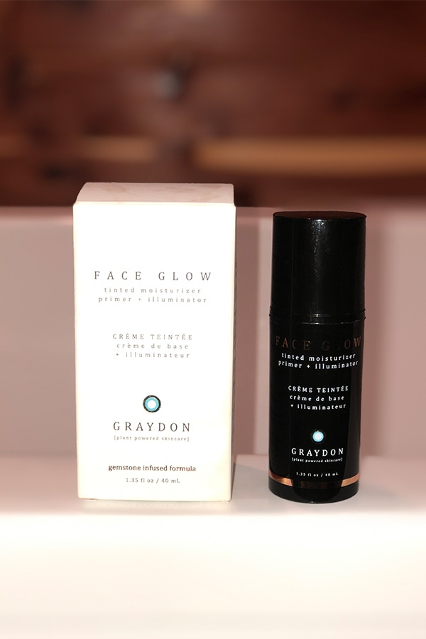 Face Glow tinted moisturizer