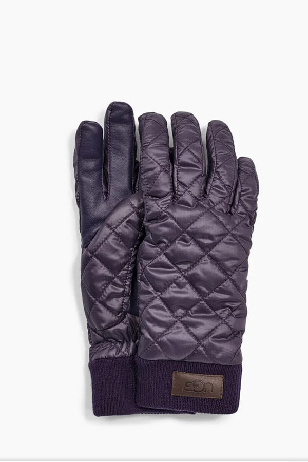 UGG gloves as a gift idea for fashionistas