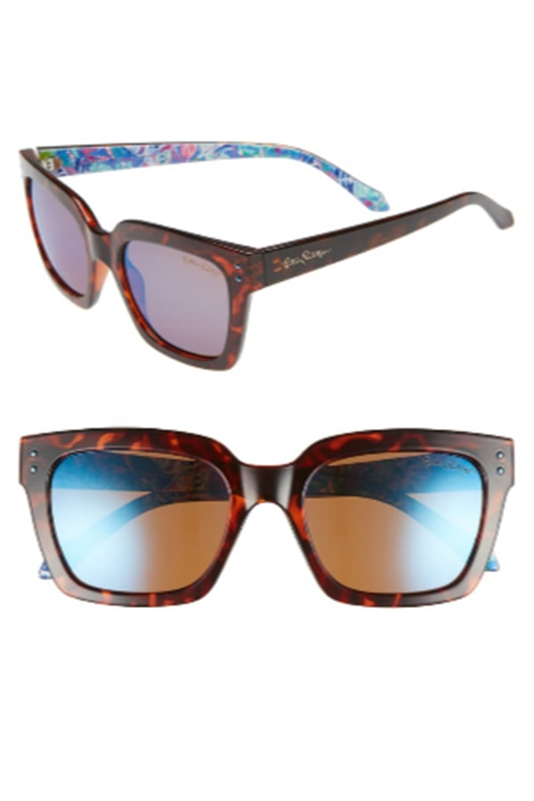 Sunglasses with square frames