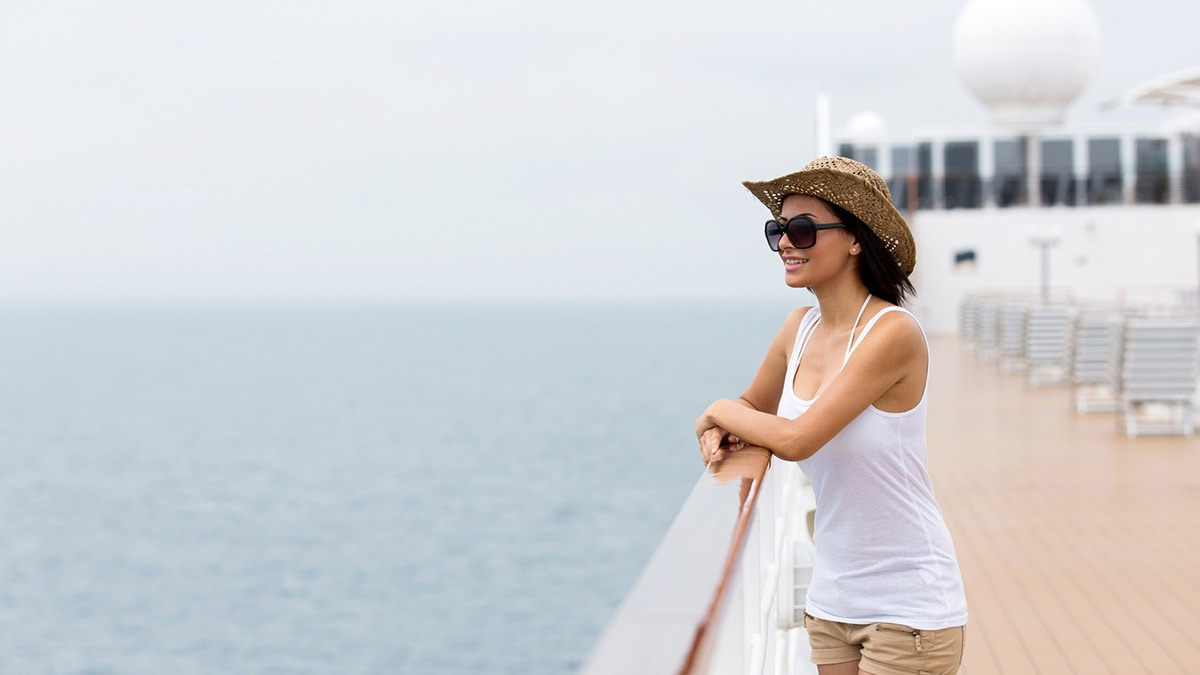 Woman wearing shorts and t-shirt on a cruise