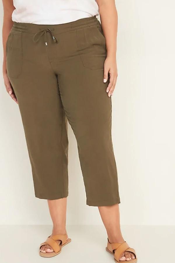 Plus-size capri pants