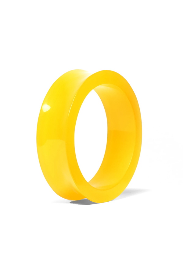 Summer jewelry: yellow bangle from Trina Turk