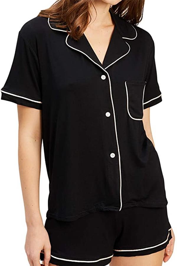 Black short-sleeved shirt and shorts pajama set