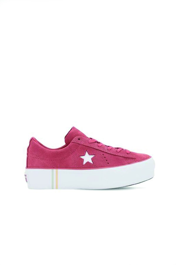 Converse One Star Sneakers in pink
